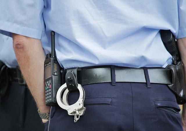 policjat