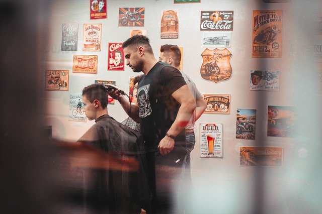 Pánsky holič pre pravých mužov