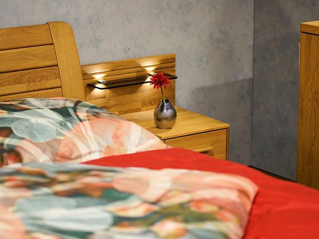 Francúzske luxusné prehozy na posteľ a obliečky na periny, viete ako sa o ne správne starať? Poradíme vám